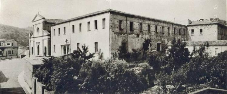 Cosenza, anni '50 chiesa SS Crocifisso della Riforma_e