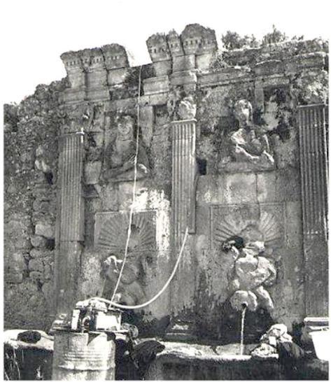 fontana d3el Liguore o del Tempietto