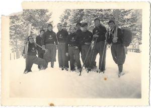 anno 1939..squadra di sciatori della GIL di cosenza