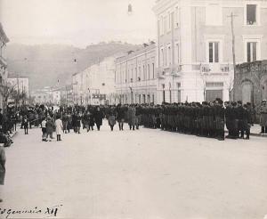 Cosenza, anni 30 sfilata a viale Trieste