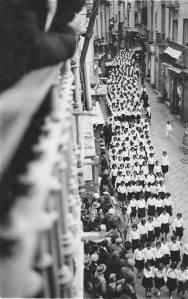 1935...giovane italiane su Corso Telesio